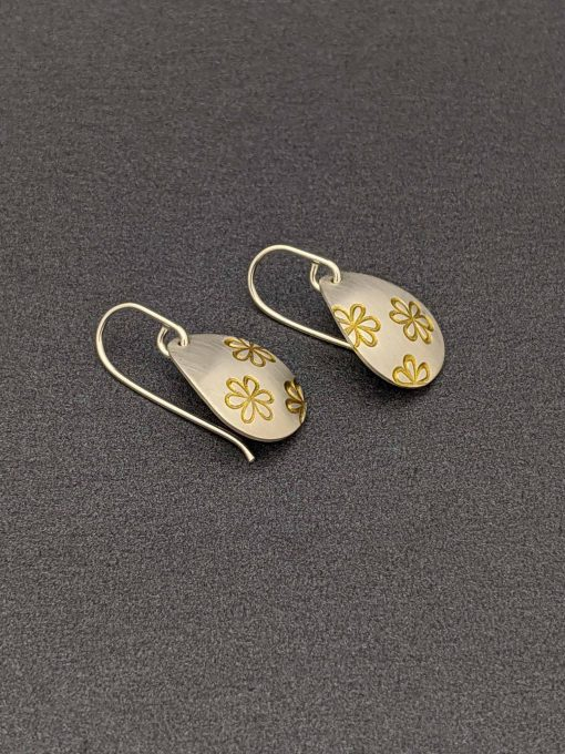 handmade-sterling-silver-teardrop-earrings-daisy-stamped