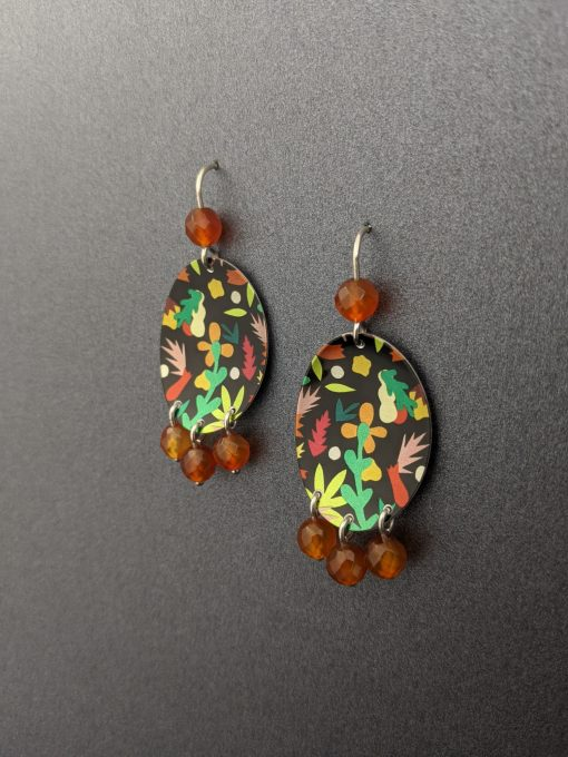 agate-bead-oval-earrings-paper-artwork-collaboration